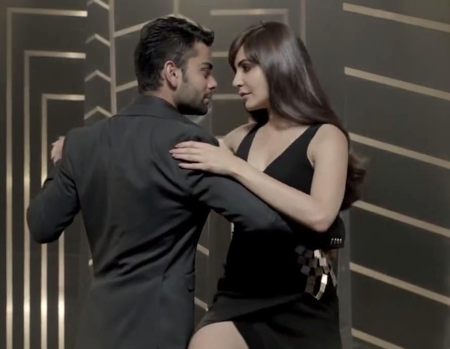 -Nayanthara Misunderstood as Virat-Anushka in Leaked Kissing PhotoAnushka Sharma Kiss Virat Kohli